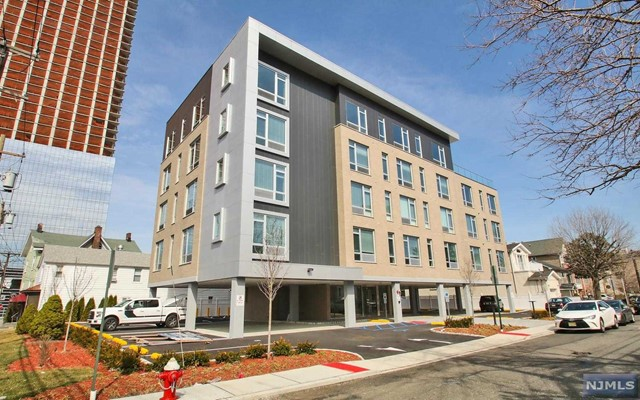 159-171 Cedar St, Fort Lee, NJ 07024