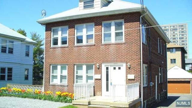 1571 Ann St, Fort Lee, NJ 07024