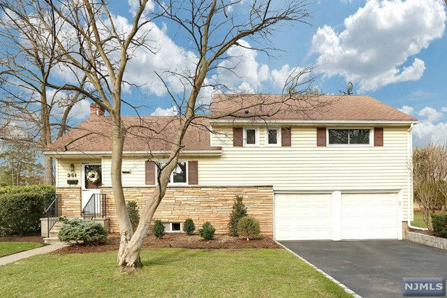 251 Mulberry Pl, Ridgewood, NJ 07450