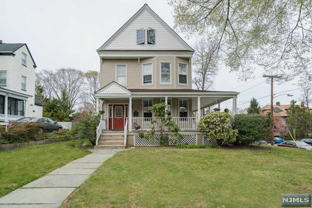 30 W Passaic Ave, Rutherford, NJ 07070