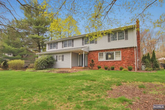 Additional photo for property listing at 233 Meadowbrook Rd  Wyckoff, New Jersey,07481 United States