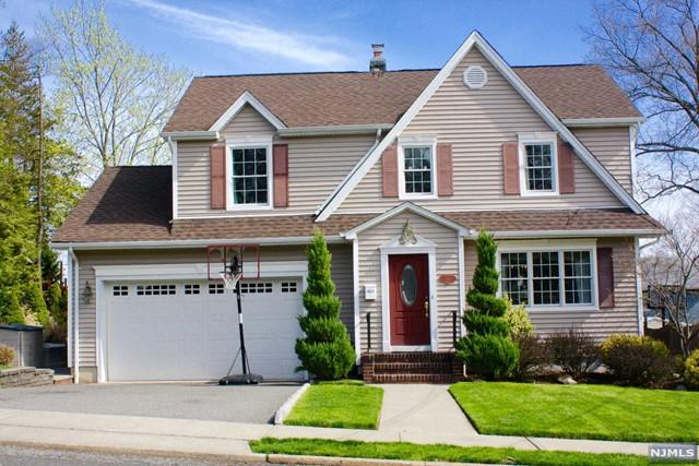 514 Reis Ave, Oradell, NJ 07649