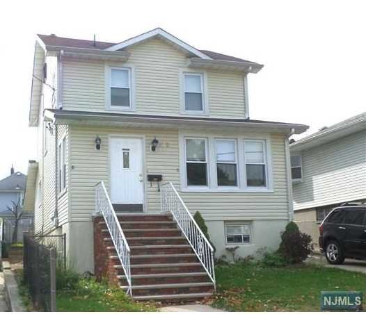 472 Nelson Ave, Cliffside Park, NJ 07010
