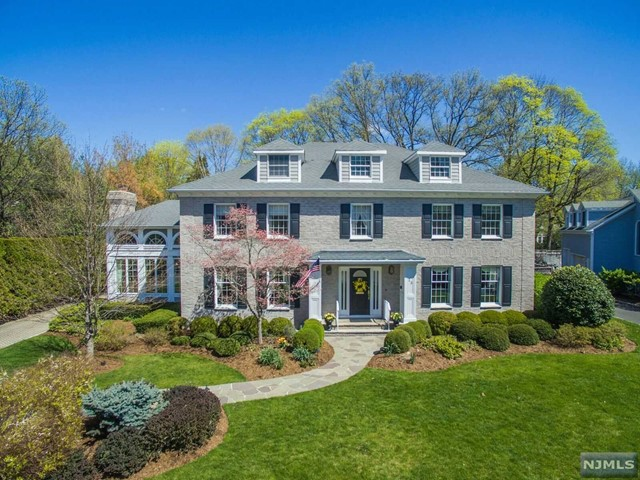 23 Coventry Ct, Ridgewood, NJ 07450