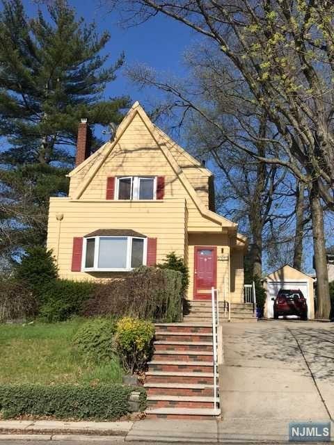 1025 Jassamine Way, Fort Lee, NJ 07024