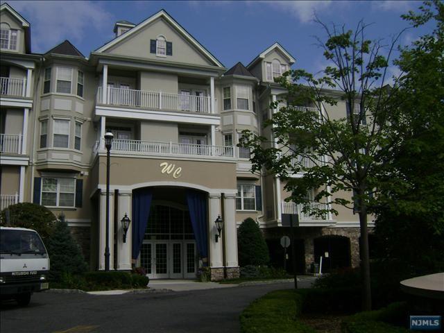 171-175 Rochelle Ave 215, Rochelle Park, NJ 07662