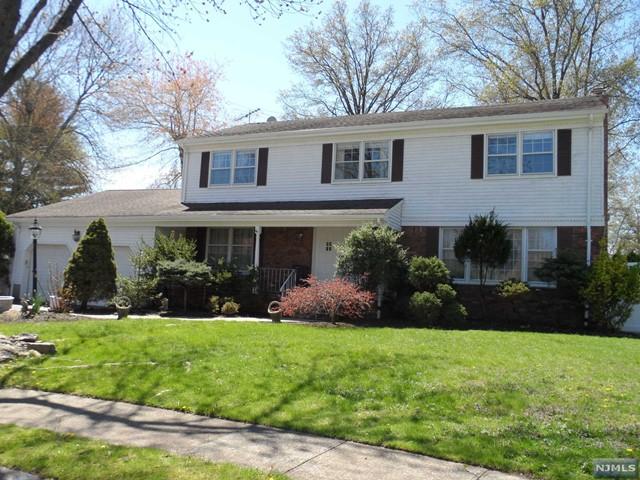 649 Drexel Rd, Paramus, NJ 07652
