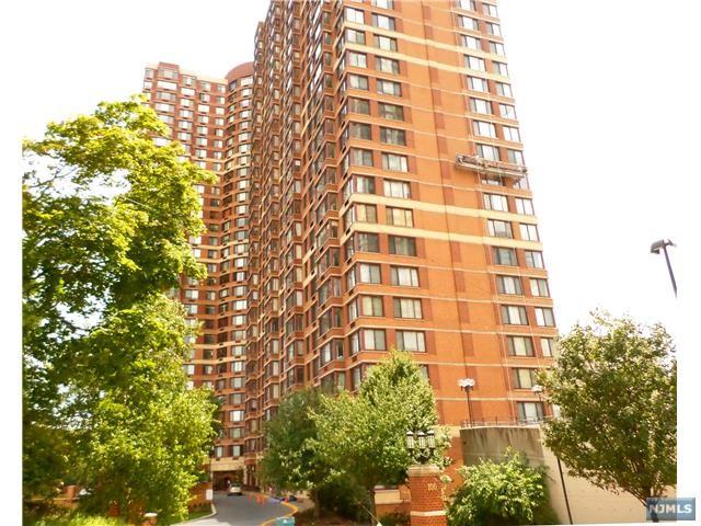 100 Old Palisade Rd 2606, Fort Lee, NJ 07024