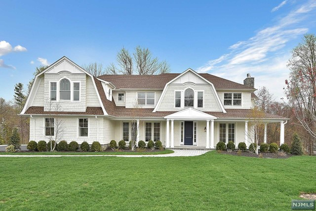 6 Tree Farm Ln, Mahwah, NJ 07430