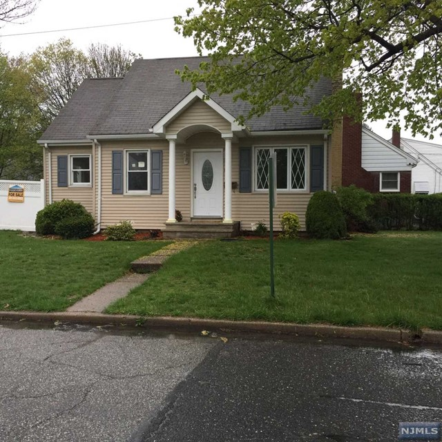 62 W Spring Valley Ave, Maywood, NJ 07607