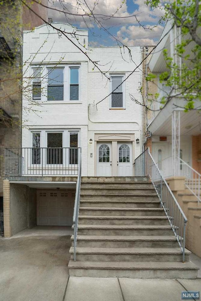 509 57th St, West New York, NJ 07093
