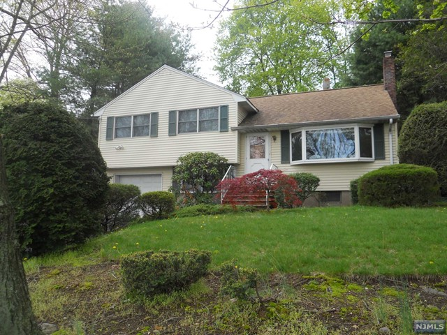 783 Kinderkamack Rd, Oradell, NJ 07649