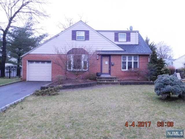 78 Warren Pl, Ridgewood, NJ 07450