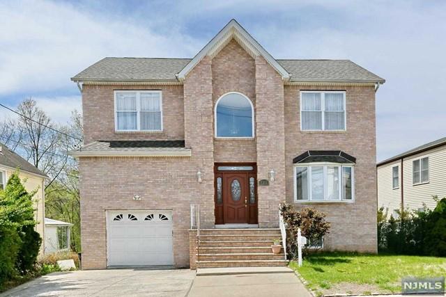 286 N Prospect Ave, Bergenfield, NJ 07621