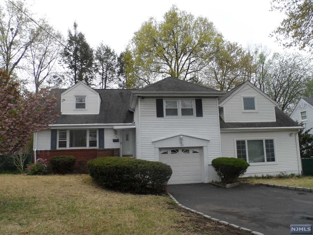 198 Norman Way, Paramus, NJ 07652