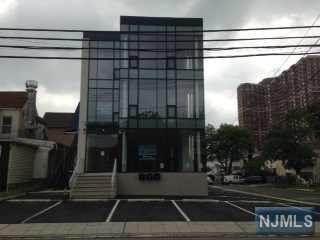 1636 Parker Ave, Fort Lee, NJ 07024