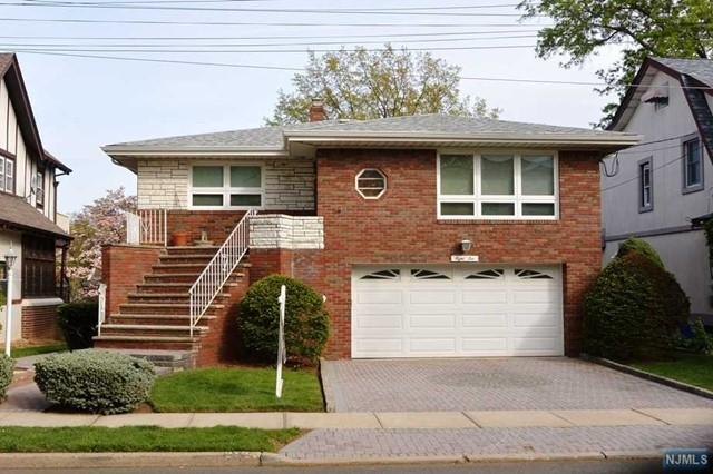 810 Prospect Ave, Ridgefield, NJ 07657