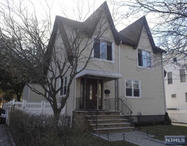 812 Elm Ave, Ridgefield, NJ 07657