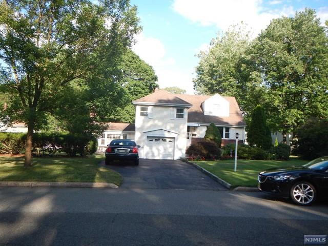 150 Village Circle West, Paramus, NJ 07652