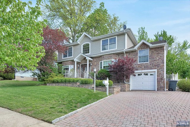 420 Vomel Dr, New Milford, NJ 07646