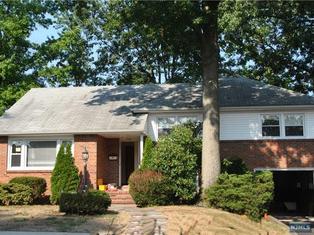 776 Beech Pl, New Milford, NJ 07646