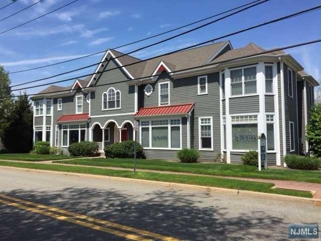 391 Clinton Ave, Wyckoff, NJ 07481