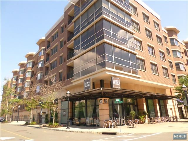20 Ave At Port Imperial 327, West New York, NJ 07093
