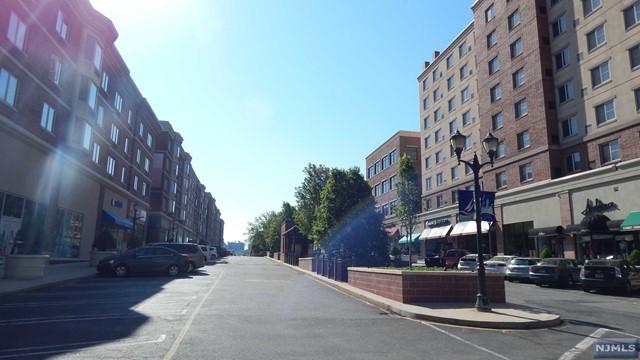2303 City Pl 2303, Edgewater, NJ 07020