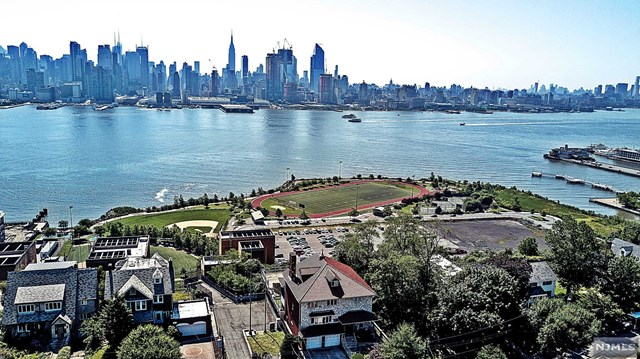 Single Family Home for Sale at 53-55 Kingswood Road 53-55 Kingswood Road Weehawken, New Jersey 07086 United States