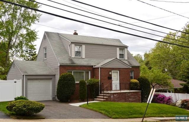636 Elm Ave, Ridgefield, NJ 07657
