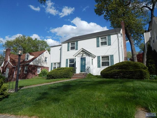 15 Carlton Pl, Rutherford, NJ 07070