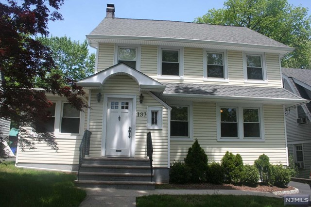 137 Johnson Ave, Teaneck, NJ 07666