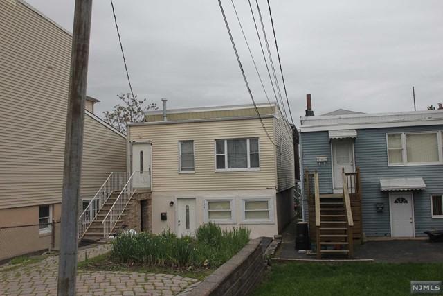 224 Main St, Cliffside Park, NJ 07010