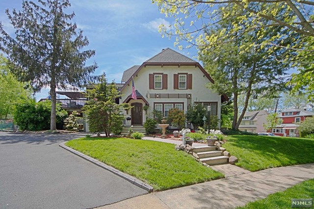 495 Edgewood Pl, Rutherford, NJ 07070