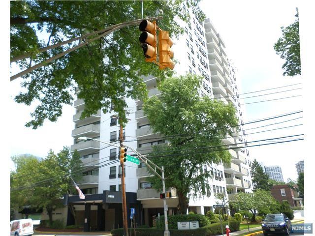 1600 Center Ave 11G, Fort Lee, NJ 07024