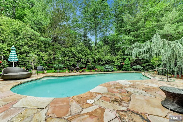 Additional photo for property listing at 23 Trotters Ln 23 Trotters Ln Mahwah, New Jersey,07430 United States