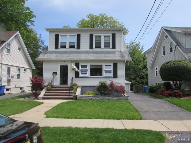 315 Sylvan St, Rutherford, NJ 07070