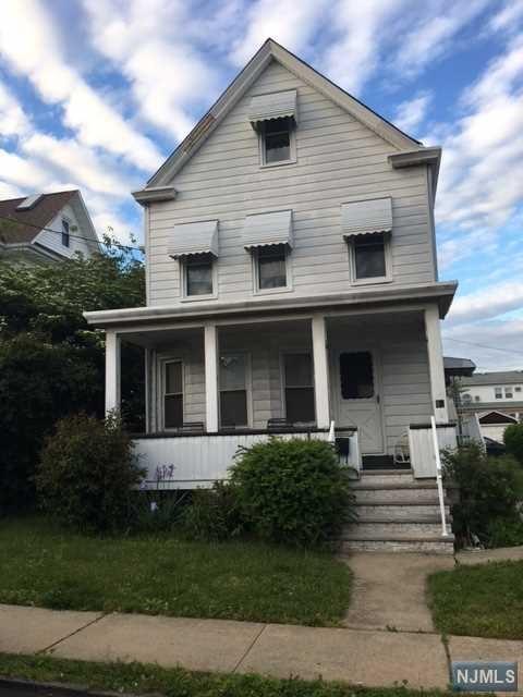 81 James St, Lodi, NJ 07644