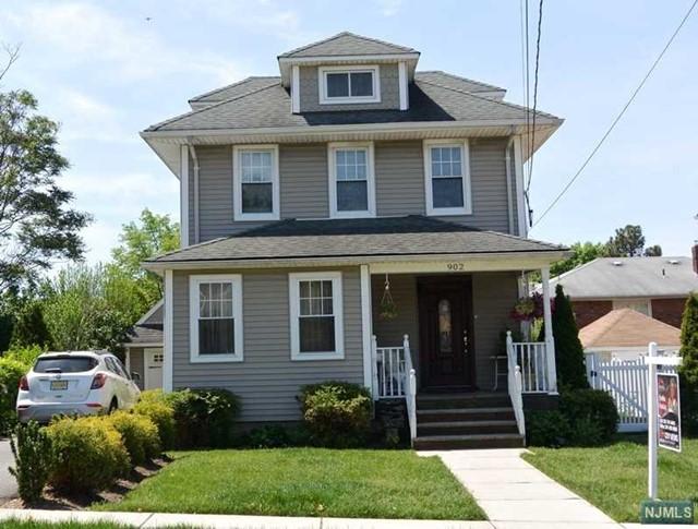 902 Lancaster Rd, Ridgefield, NJ 07657