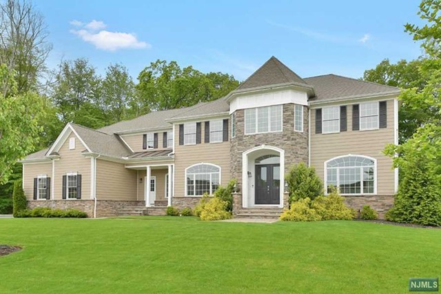 Young Country Colonial, Montvale, NJ 07645