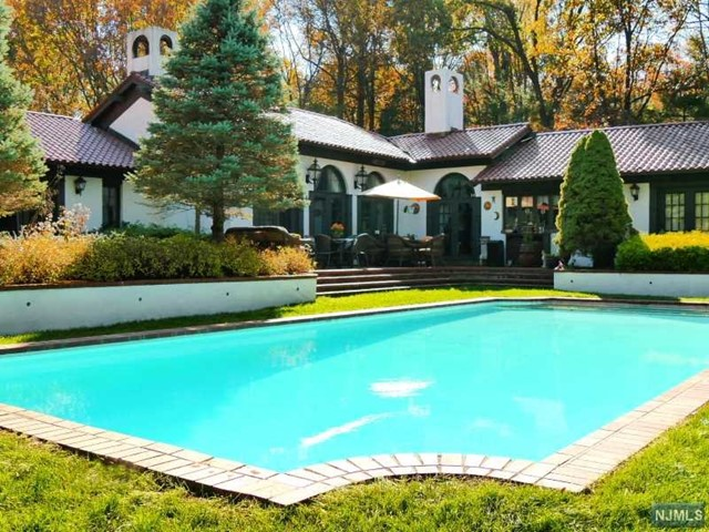 Single Family Home for Sale at 139 Andover Mohawk Rd 139 Andover Mohawk Rd Andover, New Jersey 07821 United States