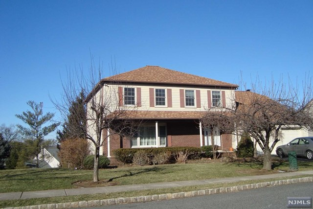 418 Birch Ln, Leonia, NJ 07605