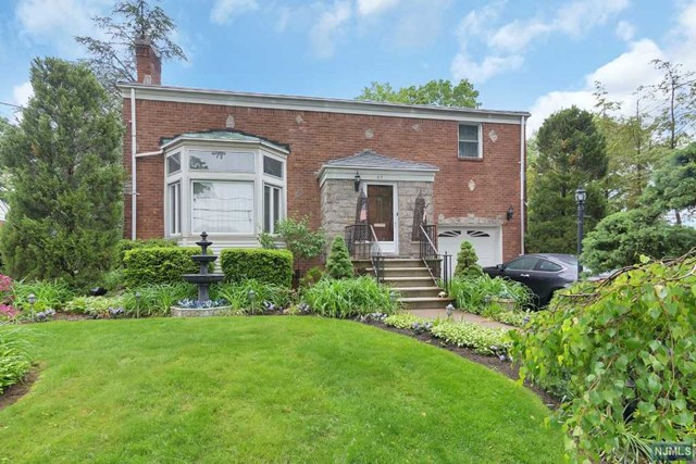 Home For Sale At 83 Chadwick Rd In Teaneck Nj For