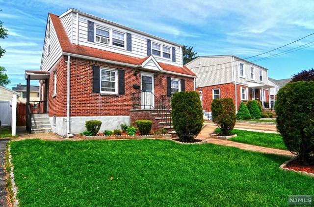137 Phelps Ave, Bergenfield, NJ 07621