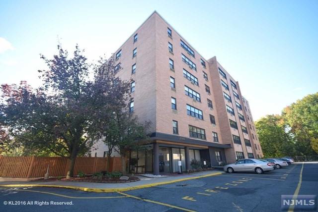 2352 Linwood Ave 3F, Fort Lee, NJ 07024