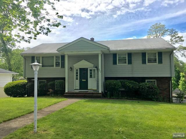 483 Cedar Ln, Paramus, NJ 07652