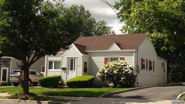 264 Church St, Lodi, NJ 07644