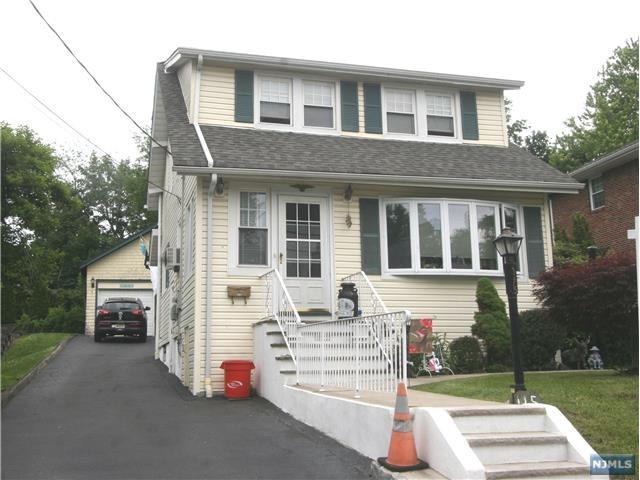 115 Irving St, Leonia, NJ 07605