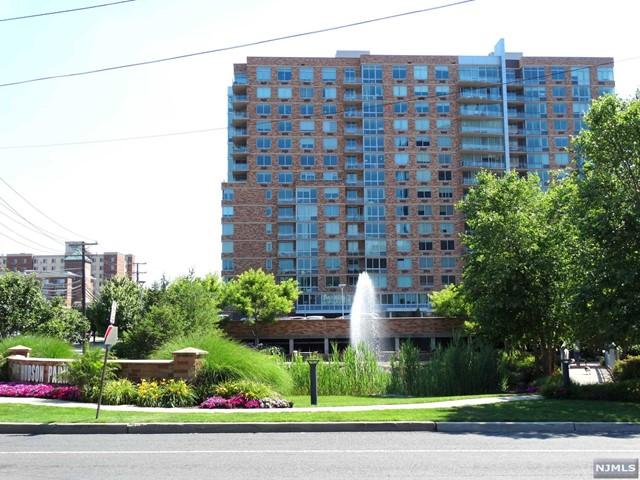 917 Hudson Park, Edgewater, NJ 07020