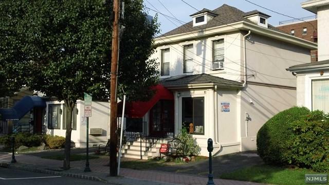 1634 Center Ave, Fort Lee, NJ 07024